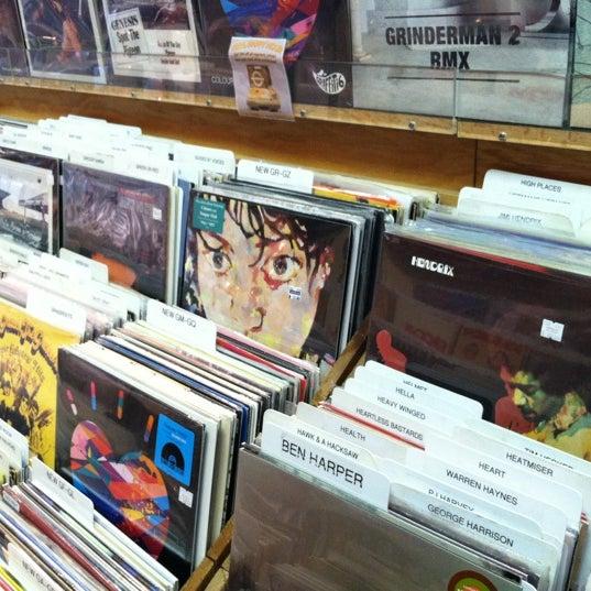 5/23/2012에 Irene M.님이 Waterloo Records에서 찍은 사진