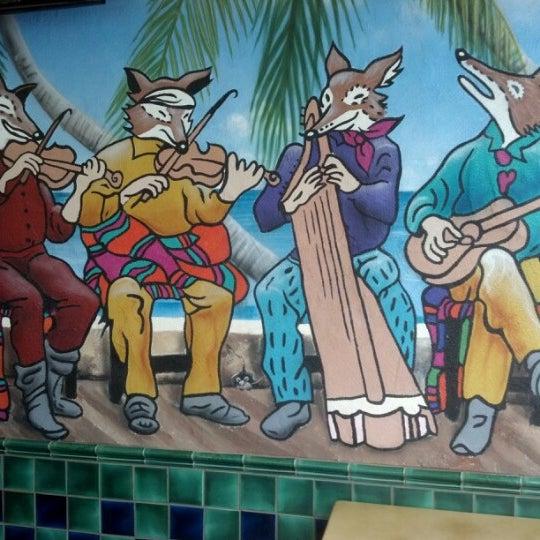 รูปภาพถ่ายที่ Cafe Coyote โดย Toby L. เมื่อ 7/25/2012