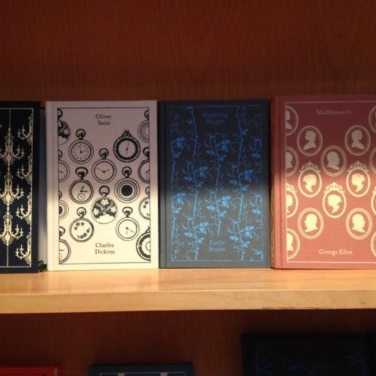 Das Foto wurde bei BookCourt von Mona H. am 7/28/2012 aufgenommen
