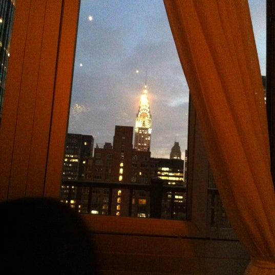 รูปภาพถ่ายที่ Upstairs โดย Kenny R. เมื่อ 3/21/2012
