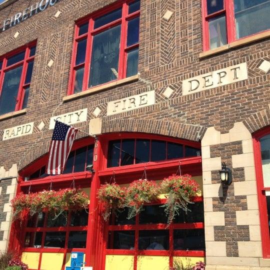 รูปภาพถ่ายที่ Firehouse Brewing Company โดย Heather เมื่อ 9/2/2012
