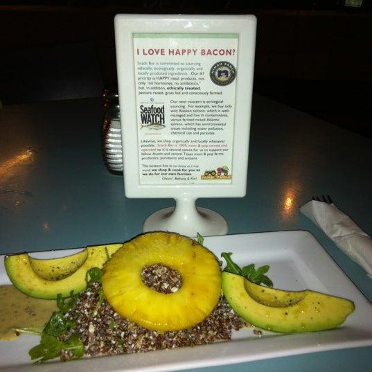 Foto scattata a Snack Bar da John W. il 5/21/2012