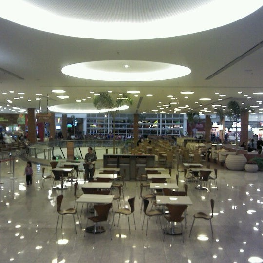 Foto tirada no(a) Shopping Park Europeu por Bruno O. em 7/7/2012