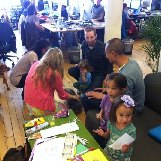 Photo prise au GroupMe HQ par Tara C. le5/4/2012