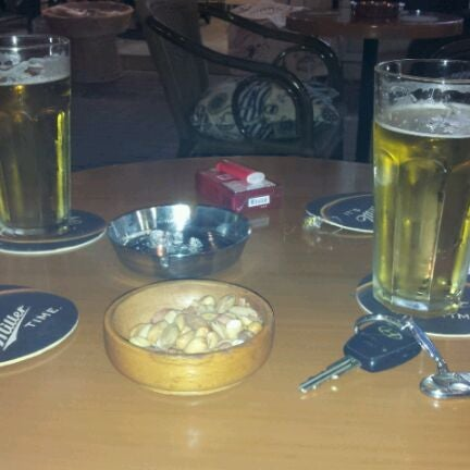 Foto tirada no(a) Deep Blue Bar por Mehmet Emrah B. em 4/23/2012