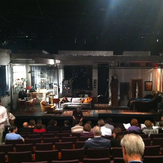 5/13/2012にSerena M.がSteppenwolf Theatre Companyで撮った写真