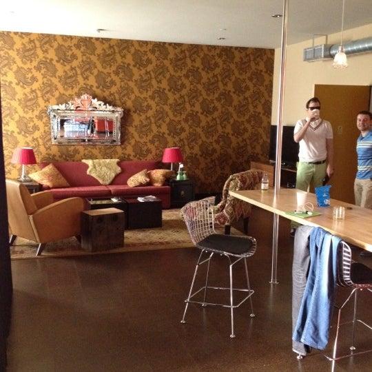 6/22/2012 tarihinde Nikolay Z.ziyaretçi tarafından The Redbury'de çekilen fotoğraf