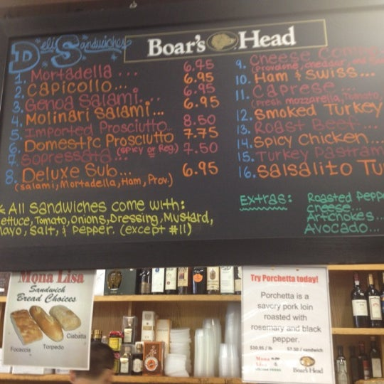 Das Foto wurde bei Mona Lisa Italian Restaurant von Nicholas A. am 5/20/2012 aufgenommen