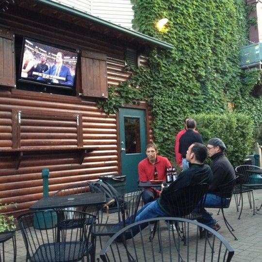 Folks Restaurant Atlanta: Sports Bar In Chicago