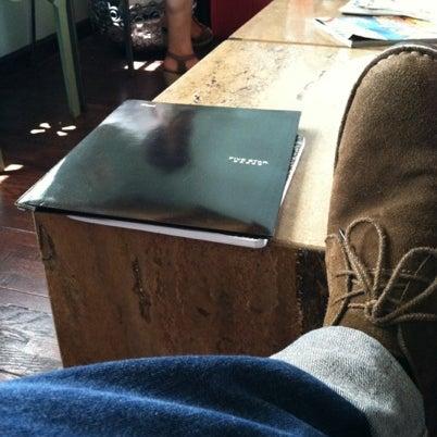 Das Foto wurde bei The Coffee Shop at Agritopia von josh m. am 8/23/2012 aufgenommen