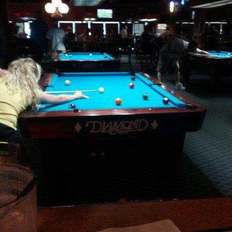 7/15/2012에 Kerry B.님이 Two Stooges Sports Bar & Grill에서 찍은 사진