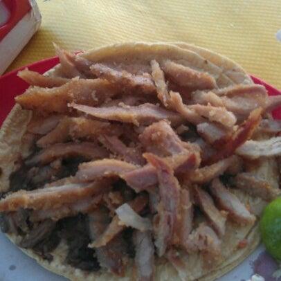 Foto tirada no(a) Tacos sarita por Luis A. em 8/2/2012