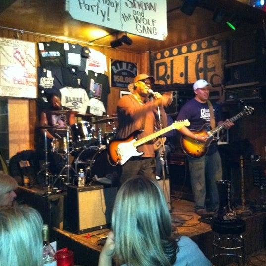 Photo prise au B.L.U.E.S. par Kathleen M. le2/16/2012