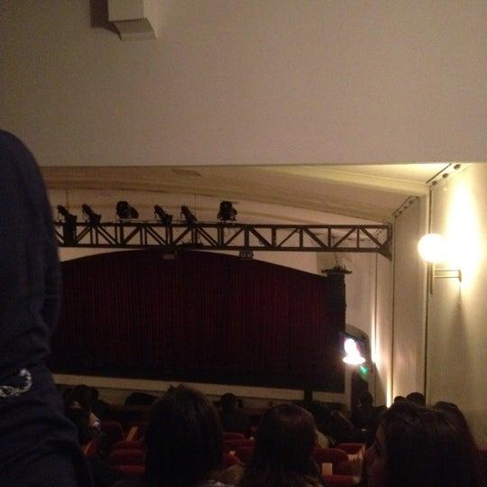 Foto diambil di Teatro Nescafé de las Artes oleh Ciel F. pada 6/8/2012