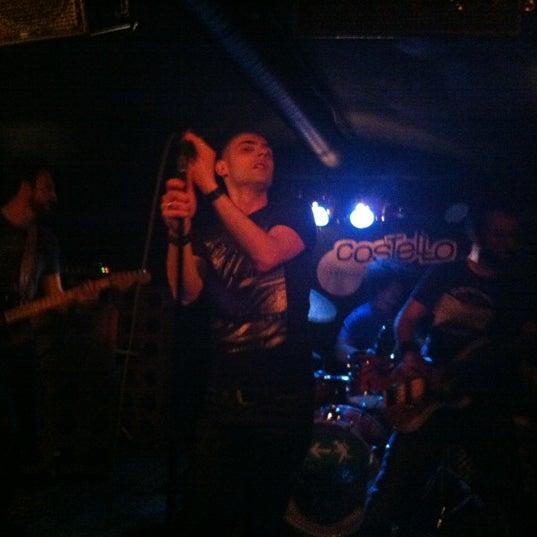 Foto tirada no(a) Costello Club por Dari R. em 5/12/2012