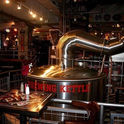 Das Foto wurde bei Pike Brewing Company von Carla J. am 6/10/2012 aufgenommen