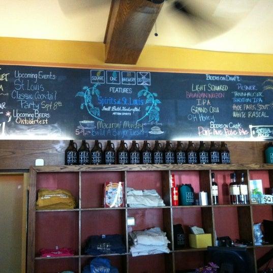 Das Foto wurde bei Square One Brewery & Distillery von Emily B. am 8/17/2012 aufgenommen