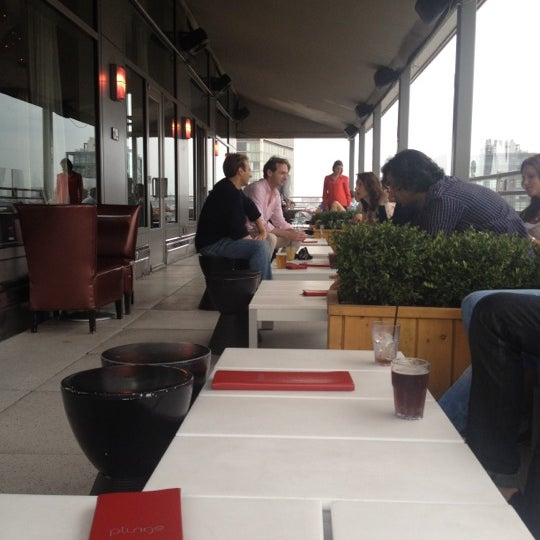 9/3/2012에 Richard C.님이 Plunge Rooftop Bar & Lounge에서 찍은 사진