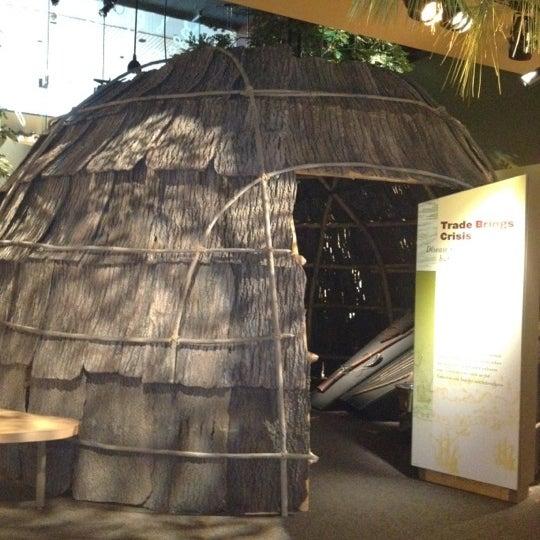 รูปภาพถ่ายที่ North Carolina Museum of History โดย Downtown R. เมื่อ 2/22/2012
