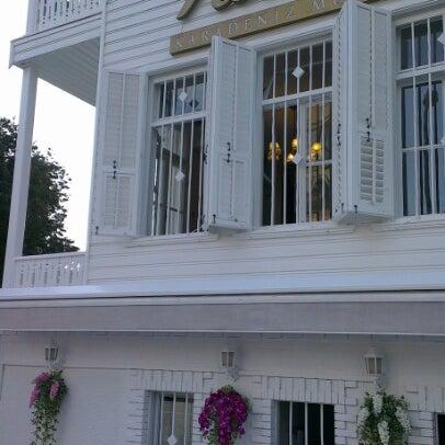 Foto diambil di Nalia Karadeniz Mutfağı Bostancı oleh Suleyman T. pada 7/29/2012