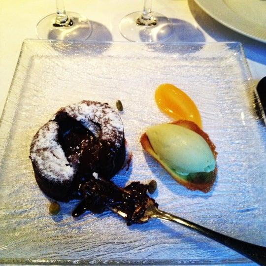 Photo prise au Dax Restaurant par Liam T. le8/25/2012