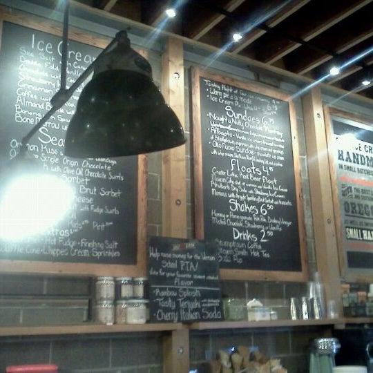 Das Foto wurde bei Salt & Straw von Scott L. am 2/21/2012 aufgenommen