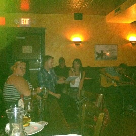 8/23/2012にJulia S.がThe Grafton Irish Pub & Grillで撮った写真