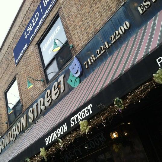 Foto scattata a Bourbon Street Restaurant and Catering da Ken S. il 6/11/2012