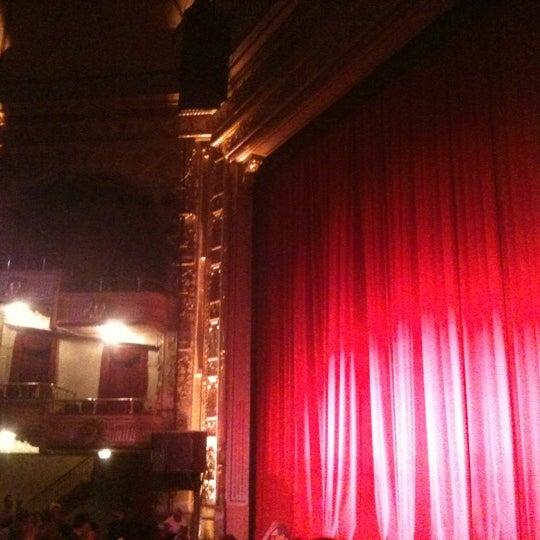 Das Foto wurde bei Apollo Theater von YAM S. am 5/12/2012 aufgenommen