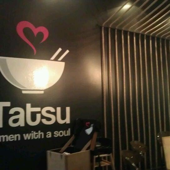 7/13/2012 tarihinde Angel A.ziyaretçi tarafından Tatsu Ramen'de çekilen fotoğraf