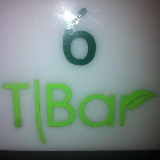 Снимок сделан в T|Bar пользователем Javier A. 4/20/2012