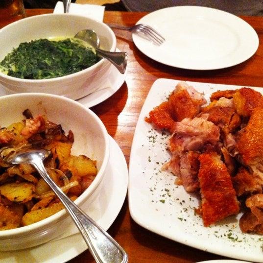 Foto tomada en Die Stube German Bar & Resto por Meggy Mumu el 3/1/2012