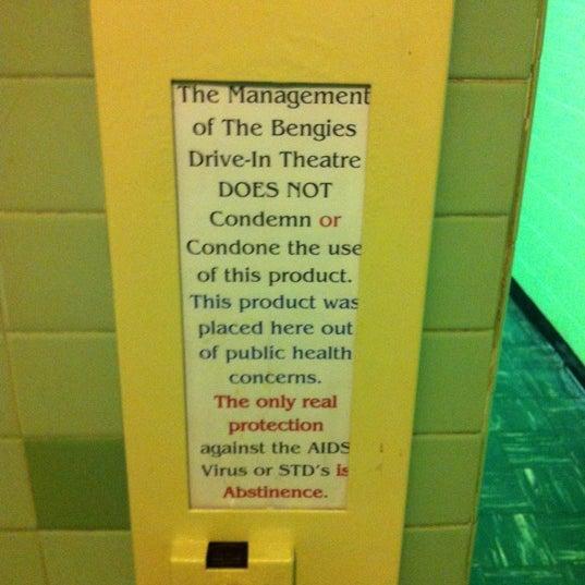 Снимок сделан в Bengies Drive-in Theatre пользователем Sam M. 8/26/2012