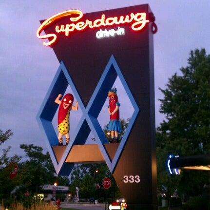 Снимок сделан в Superdawg Drive-In пользователем JOSHUA 🇺🇸 J. 8/9/2012