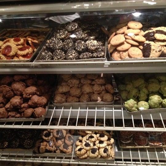 Foto tomada en Pasticceria Rocco por david m. el 4/28/2012