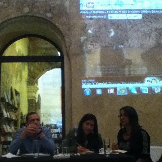 4/12/2012에 Alejandro M.님이 Profética - Casa de la Lectura에서 찍은 사진