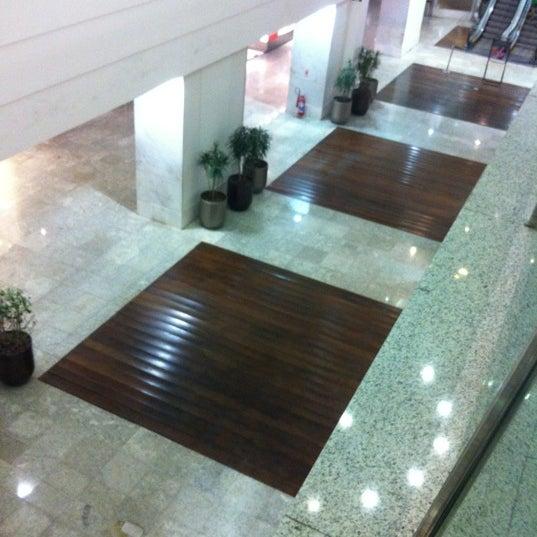 2/21/2012 tarihinde Edgard A.ziyaretçi tarafından Shopping Tijuca'de çekilen fotoğraf