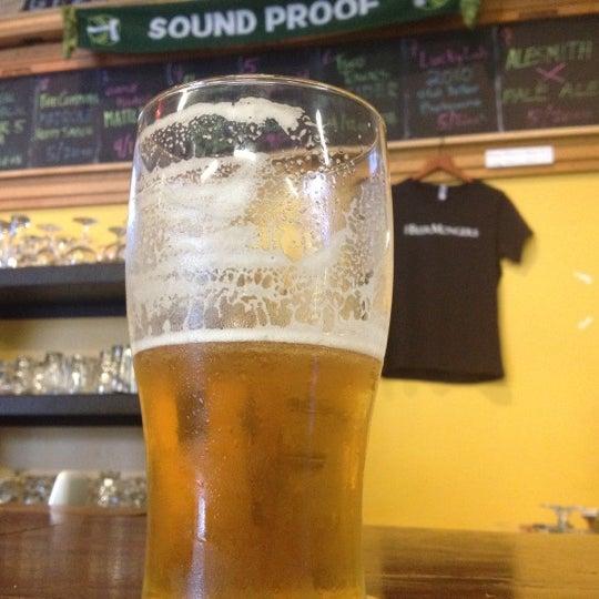 Photo prise au The BeerMongers par Chris D. le4/19/2012