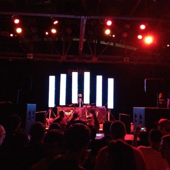 รูปภาพถ่ายที่ Warehouse Live โดย Bryan H. เมื่อ 7/15/2012