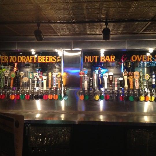 3/26/2012에 Elwood H.님이 Williams Uptown Pub & Peanut Bar에서 찍은 사진