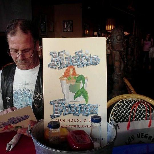 Foto diambil di Mickie Finnz Fish House & Bar oleh Kody C. pada 2/21/2012