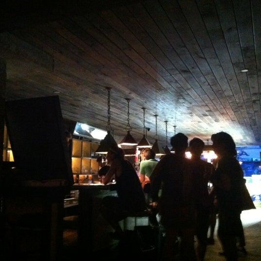 Das Foto wurde bei Alphabet City Beer Co. von Ivan O. am 7/17/2012 aufgenommen