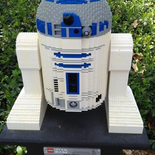 Foto tirada no(a) Legoland California por Gina T. em 7/30/2012