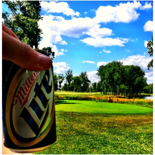 Foto tomada en 1757 Golf Club por Joey W. el 6/26/2012