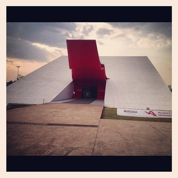 9/9/2012에 Cris M.님이 Auditório Ibirapuera Oscar Niemeyer에서 찍은 사진