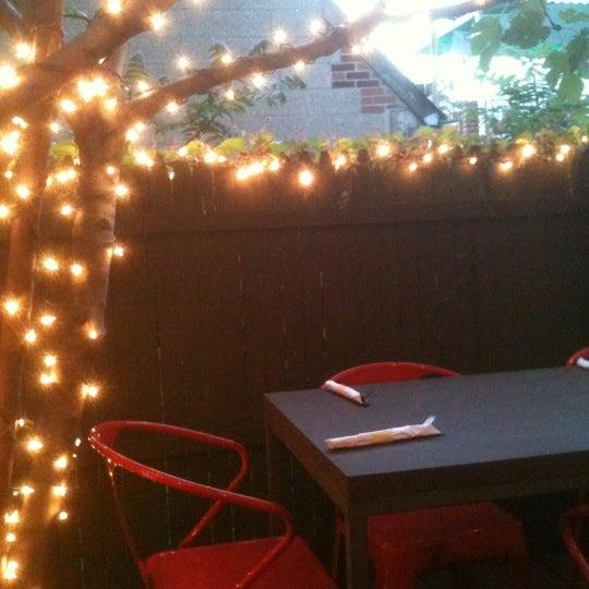 Foto tomada en OAK Restaurant & Wine Bar por JC V. el 5/12/2012