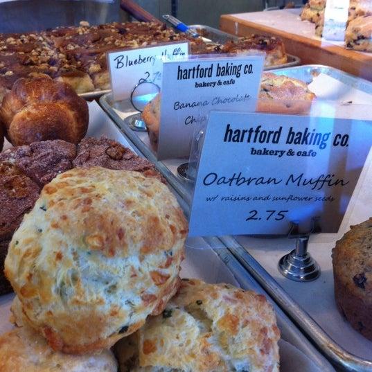 6/16/2012에 Chris M.님이 Hartford Baking Company에서 찍은 사진