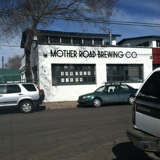 รูปภาพถ่ายที่ Mother Road Brewing Company โดย Jim R. เมื่อ 2/21/2012