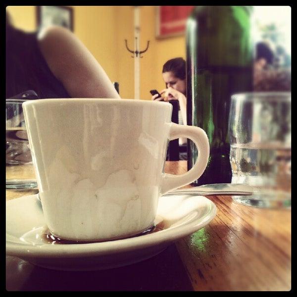 Foto scattata a Le Petit Zinc da Alysia C. il 8/12/2012