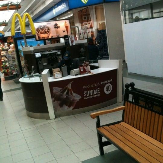 Das Foto wurde bei Portones Shopping von Vic P. am 4/25/2012 aufgenommen